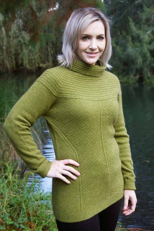 Geo Jumper in Olive